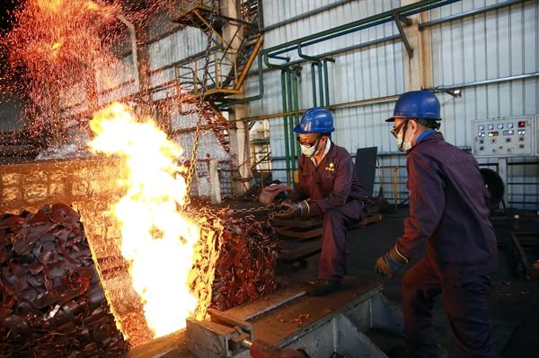Nhà máy luyện đồng đang nấu chảy vào ngày 23.7.2020 tại Chiết Giang, Trung Quốc. Ảnh: CNBC.