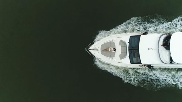 Những đại tiệc tiệc trên du thuyền mang đậm tính trải nghiệm cá nhân, được thiết kế giới hạn là những đặc quyền dành riêng giới tinh hoa.