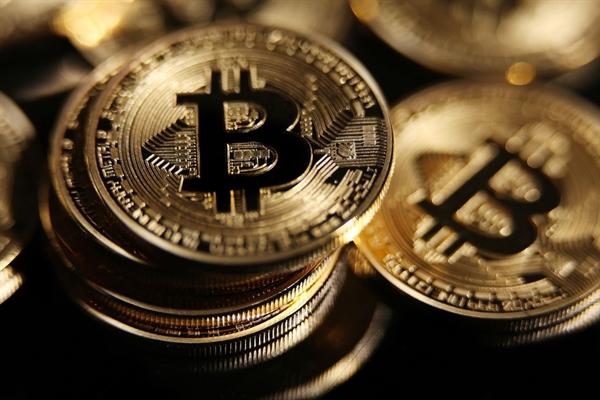 Sự bùng nổ Bitcoin gần đây cũng đã đưa một số cựu chiến binh kém thành công hơn của bong bóng ICO lên một tầm cao mới. Ảnh: CNB.