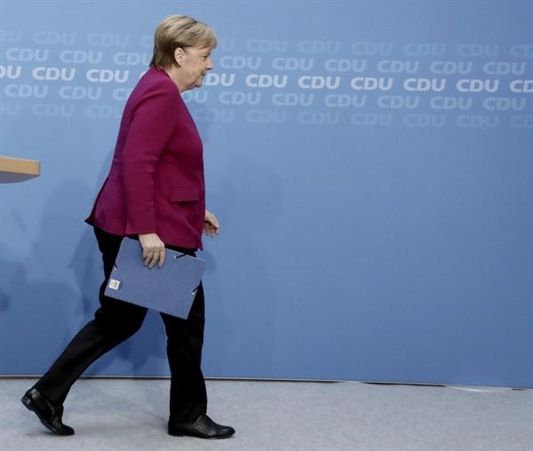 Nếu không có Thủ tướng Merkel đóng vai trò là một nhà đàm phán mạnh mẽ, các nỗ lực ngoại giao để giải quyết các tranh chấp năng lượng và lãnh thổ ở Đông Địa Trung Hải cũng sẽ gặp khó khăn. Ảnh: AP.