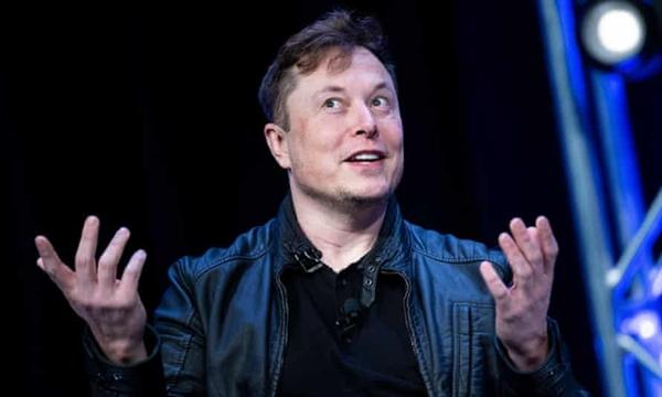 Tỉ phú Elon Musk vượt qua ông Jeff Bezos của Amazon để trở thành người giàu nhất thế giới. Ảnh: AFP.