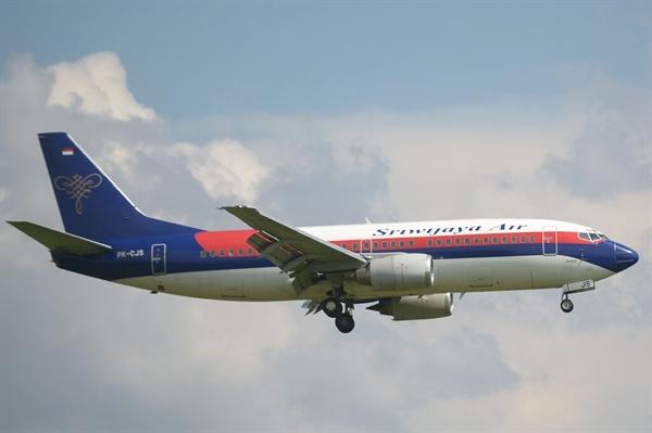 Một chiếc Boeing 737-300 của Sriwijaya Air, một kiểu tương tự với chiếc máy bay đã mất liên lạc trong chuyến bay từ Jakarta đến Pontianak hôm 9.1. Ảnh: AFP.