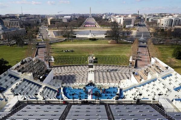 Với số người chết do đại dịch tiếp tục gia tăng ở Mỹ, sẽ không còn những đám đông truyền thống trong buổi lễ nhậm chức của vị Tổng thống thứ 46. Ảnh: AP.