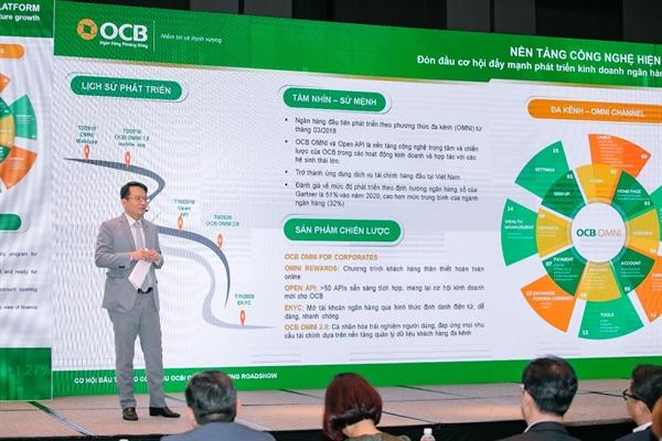 Ông Trịnh Văn Tuấn – Chủ tịch HĐQT OCB trả lời câu hỏi từ các nhà đầu tư tại hội thảo.