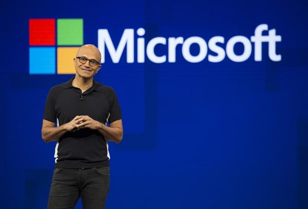 """Giám đốc điều hành Satya Nadella cho biết: đại dịch """"đã gây ra rất nhiều khó khăn cho khách hàng của chúng tôi"""". Ảnh: Bloomberg."""