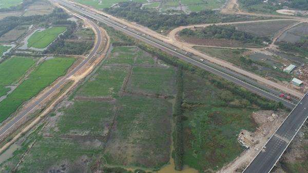 Các giai đoạn còn lại của dự án giao thông trọng điểm này đang được gấp rút hoàn thành