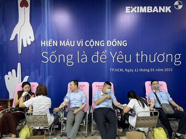 """Eximbank tiếp tục lan tỏa thông điệp """"Sống là để yêu thương"""" với buổi hiến máu vì cộng đồng năm nay. Ảnh: Eximbank."""
