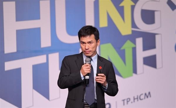 Ông Nguyễn Hiếu phát biểu tại Hội nghị Đầu tư do Tạp chí Nhịp Cầu Đầu Tư tổ chức. Ảnh: TL.