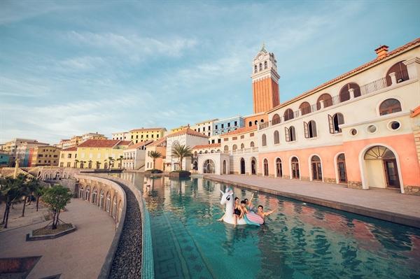 Bể bơi Trung tâm Primavera CentralPool.