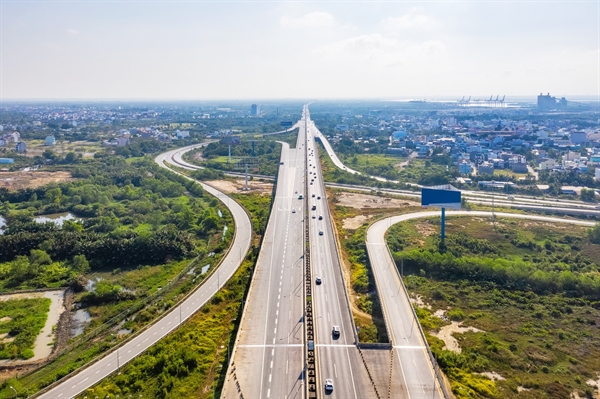 Cao tốc TP. HCM - Long Thành - Dầu Giây dài 55km, trong đó đoạn mở rộng có chiều dài 24km sẽ mở rộng từ 4 làn xe hiện tại lên 8 làn xe trong năm 2021. Ảnh: TL.