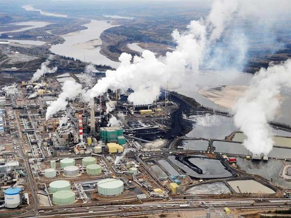 Thuế carbon 30 USD mỗi tấn ở Saskatchewan sẽ tạo ra đủ để cắt giảm một nửa thuế thu nhập cá nhân. Ảnh: AFP.