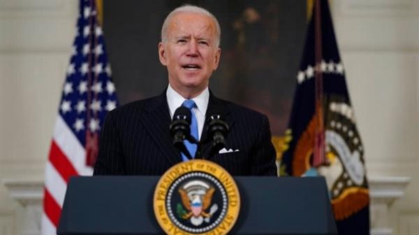 """Trong bài phát biểu tại Nhà Trắng, Tổng thống Joe Biden nói rằng: """"Hai trong số các công ty dược phẩm lớn nhất trên thế giới thường là đối thủ cạnh tranh của nhau đang làm việc cùng nhau về vaccine. Đây là kiểu hợp tác giữa các công ty mà chúng ta đã thấy trong Thế chiến II"""". Ảnh: AP."""