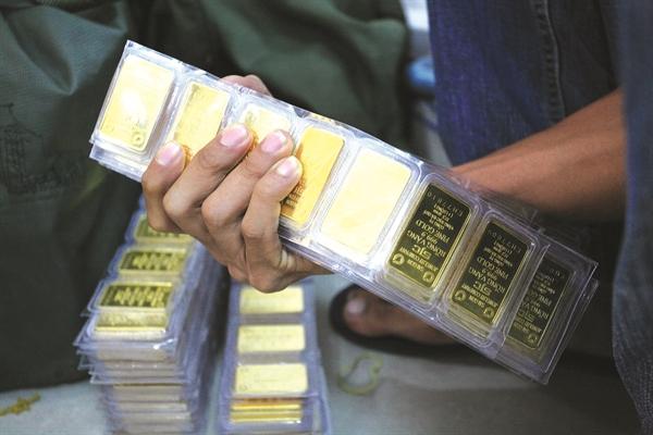 Giá vàng có nhiều yếu tố hỗ trợ trong làn sóng bơm tiền kích cầu kinh tế.