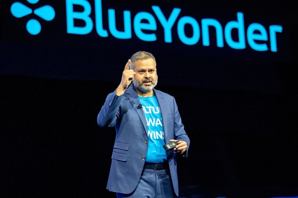 """""""Tôi rất vui mừng về sự hợp tác này để hiện thực hóa tầm nhìn chung của chúng tôi về chuỗi cung ứng kỹ thuật số - nơi nền tảng của Blue Yonder đồng bộ hóa với các dịch vụ cạnh của Panasonic để mang lại kết quả kinh doanh thành công và tự chủ hơn cho các nhà bán lẻ, nhà sản xuất và nhà cung cấp dịch vụ hậu cần"""", Giám đốc điều hành Girish Rishi của Blue Yonder chia sẻ. Ảnh: Glassdoor."""
