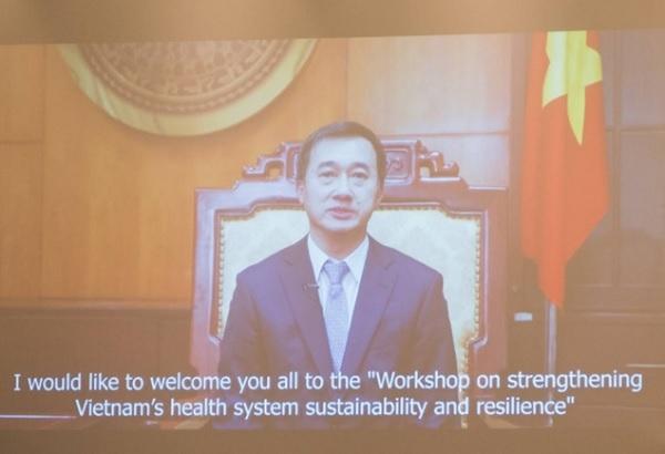 GS.TS. Trần Văn Thuấn, Thứ trưởng Bộ Y tế, phát biểu khai mạc hội thảo qua video.
