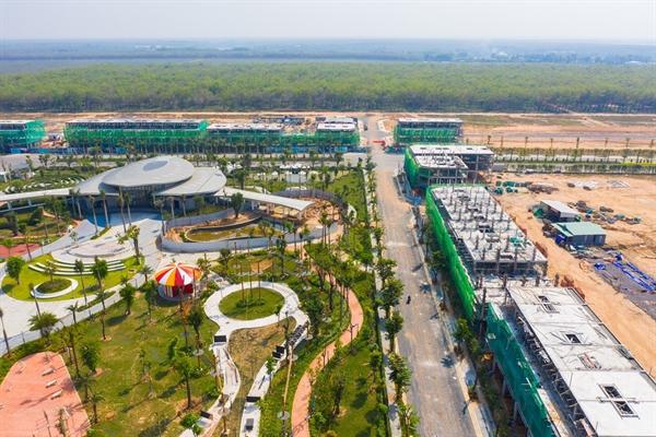 Khu đô thị Gem Sky World đang hoàn thiện những tiện ích nội khu quan trọng để kịp đưa vào vận hành.