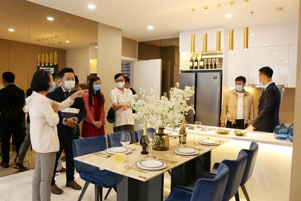 Ở các thành phố lớn như TP.HCM, Hà Nội, chung cư vẫn sẽ là loại hình bất động sản nhận được sự quan tâm cao nhất và duy trì nhu cầu giao dịch ổn định.