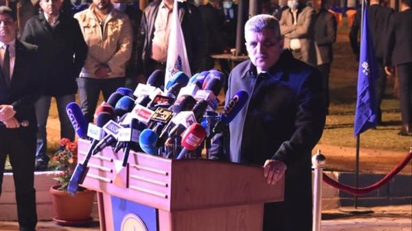 Chủ tịch Cơ quan quản lý kênh đào Suez Osama Rabie phát biểu với các phóng viên ở Ismailia, Ai Cập sau khi tàu container được giải cứu vào ngày 29.3. Ảnh: Nikkei Asian Review.