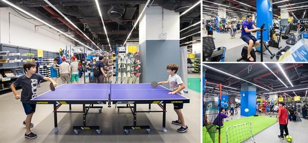 Không gian cửa hàng khổng lồ 5.000m2 của Decathlon (Vincom Royal City, Hà Nội) đem đến trải nghiệm độc đáo cho khách hàng. Ảnh: TL.
