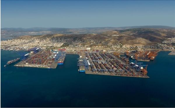 Cảng Piraeus gần Athens, Hy Lạp, một phần của cảng hàng hóa lớn nhất Địa Trung Hải Ảnh: Al Jazeera.