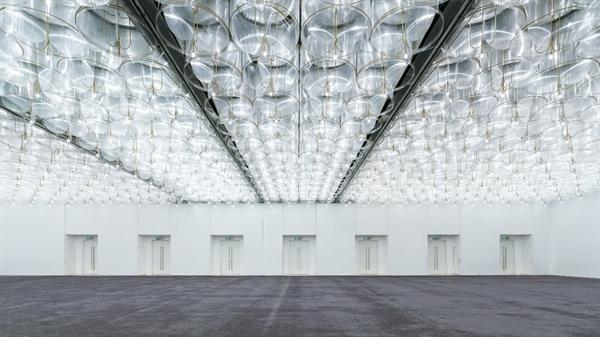 Kiến trúc thanh lịch cùng không gian tinh tế của Trung tâm Hội nghị White Palace.