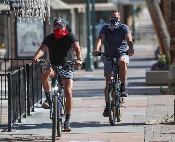 Xe đạp đã trở thành phương tiện được ưa chuộng trong đại dịch. Ảnh: Desert Sun.