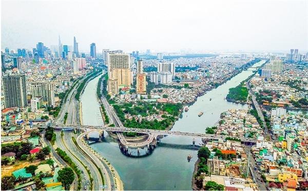 Khu Tây với hạ tầng ngày càng phát triển tạo đà bứt phá cho bất động sản.