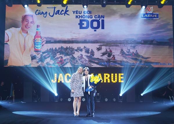 Jack sẽ đồng hành trong các hoạt động của Bia Larue trên các kênh truyền thông, các hoạt động trực tuyến cũng như chuỗi sự kiện.