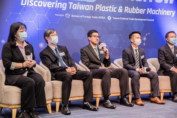 Các diễn giả đến từ Allen Plastic, ChumPover, Fu Chun Shin, Polystar và Multiplas tham gia phần QA