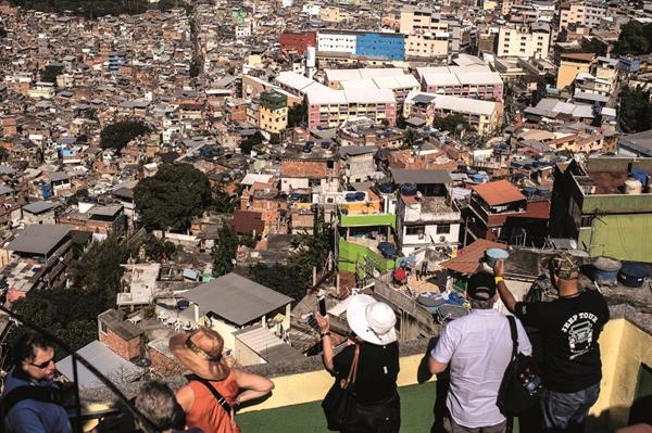 Du lịch tại khu ổ chuột
