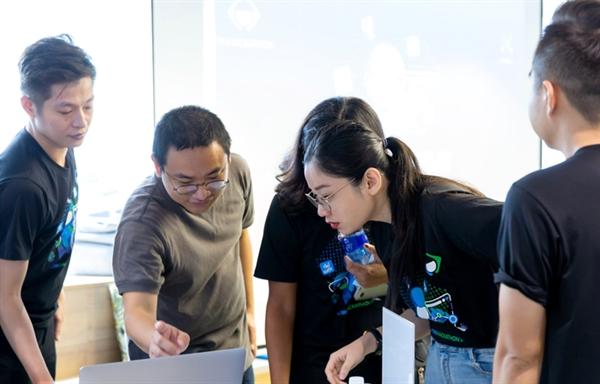 Tiki tạo điều kiện cho nhân viên chủ động sắp xếp công việc của bản thân.