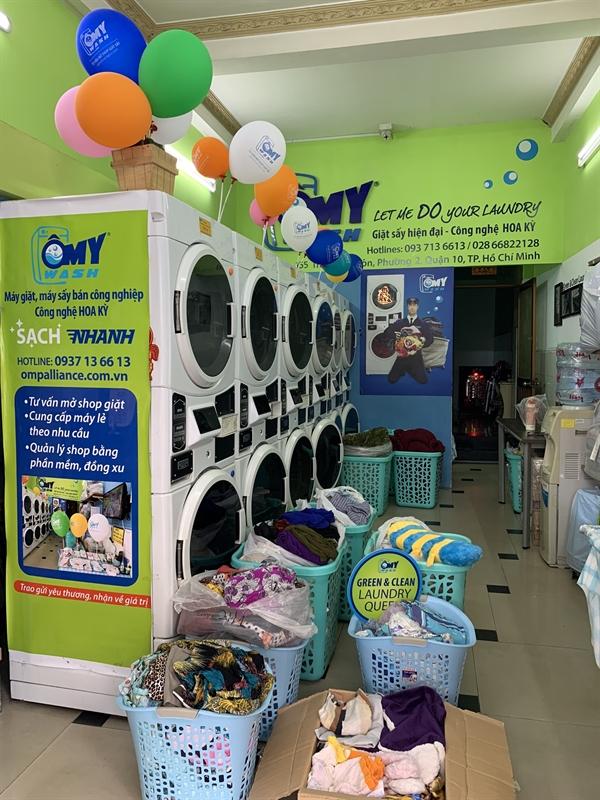 Công ty TNHH TM DV Vương Lực đã tung ra nhiều model máy giặt sấy bán công nghiệp