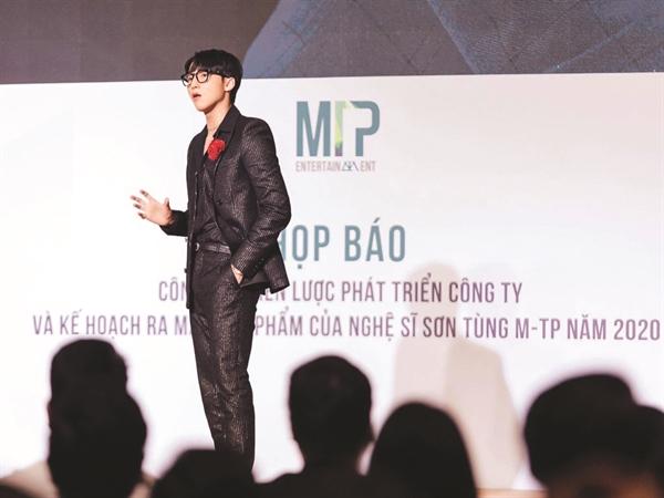 Ca sĩ Sơn Tùng MTP gặt hái thành công trong kinh doanh.