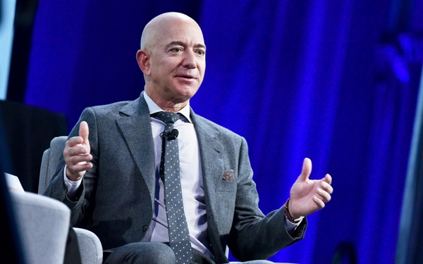 Tỷ phú Jeff Bezos - (Ảnh: NBCNews)