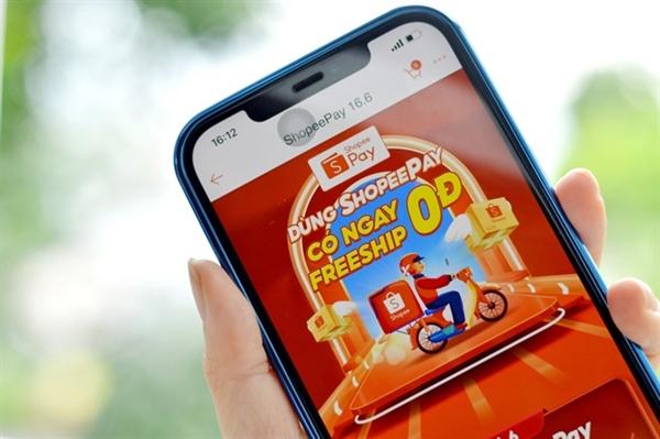 """ShopeePay """"chiêu đãi"""" người dùng với loạt mã ưu đãi phí vận chuyển 0 đồng, hỗ trợ tối đa nhu cầu mua sắm tại gia."""