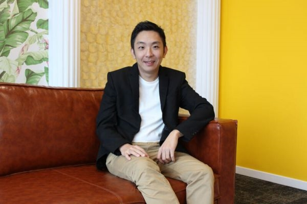 Ông Eric Cheng, Giám đốc điều hành và đồng sáng lập nền tảng xe hơi đã qua sử dụng. Ảnh: The Business Times.