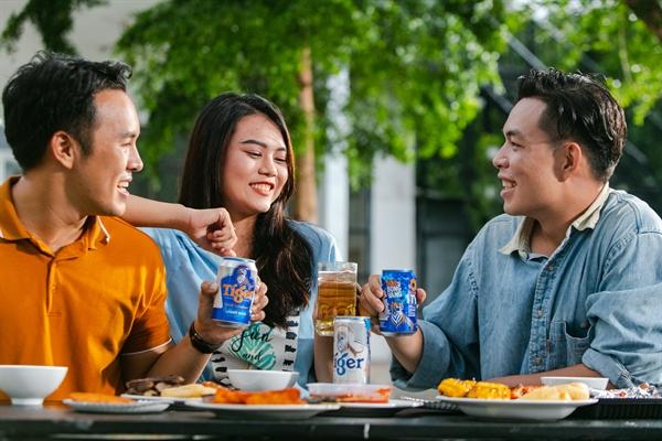 Trong mùa dịch, người tiêu dùng thưởng thức các bữa ẩm thực tại gia để đảm bảo an toàn cho bản thân và gia đình.