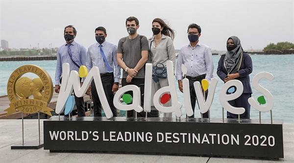 Sử dụng truy vết tích cực và dựa vào địa lý đảo phân tán để làm chậm bùng phát dịch bệnh. Ảnh: Visit Maldives.