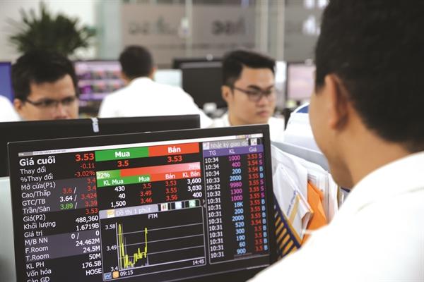 Công ty Chứng Khoán Maybank Kim Eng cho rằng lạm phát toàn phần có thể tăng cao vào cuối năm.