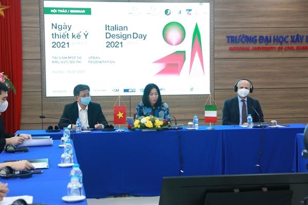 Hiệu trưởng trường ĐH Xây dựng và Đại sứ Ý tại Việt Nam trong webinar