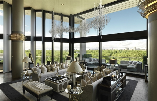 Despite the epidemic, a luxury penthouse atop One Hyde Park is still being offered for sale for $247 million. Source: C&C