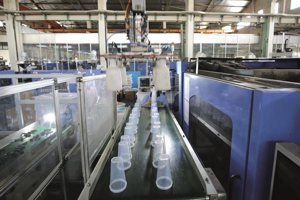 Công ty Nhựa Duy Tân được cấp tín dụng xanh để xây dựng nhà máy tái chế chai nhựa.