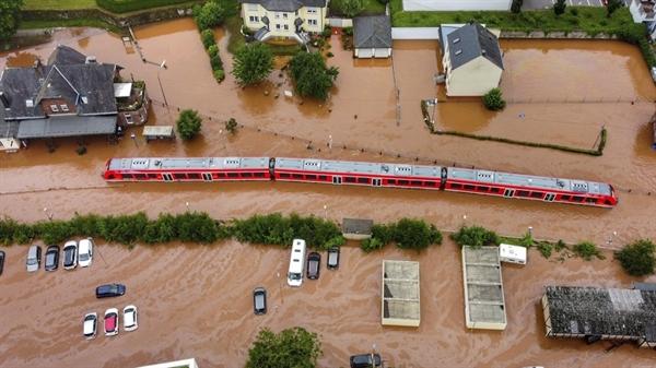 Ngành đường sắt Đức thiệt hại 1,3 tỉ euro vì lũ lụt. Ảnh: AP.