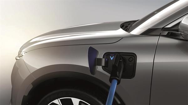 Trong một số trường hợp, người tiêu dùng thay thế một chiếc xe cũ bằng một chiếc EV mới có thể đủ điều kiện nhận được tới 13.500 USD.