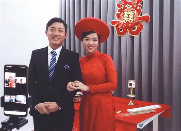 Những đám cưới online trong mùa dịch tại Việt Nam cũng ngày càng nhiều khi dịch bệnh chưa biết bao giờ mới chấm dứt.