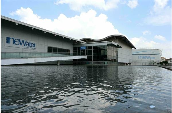 Trung tâm của hệ thống tái chế của Singapore là Nhà máy cải tạo nước Changi công nghệ cao trên bờ biển phía đông Singapore. Ảnh: AFP.