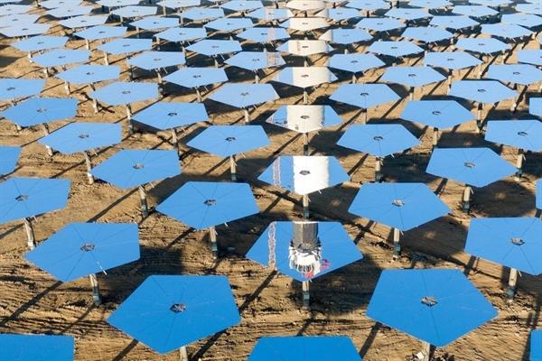 Theo kế hoạch của chính phủ, Trung Quốc đặt mục tiêu có một trạm năng lượng mặt trời 1 megawatt trong không gian vào năm 2030. Ảnh: Tân Hoa Xã.