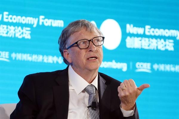 Đối với các vấn đề, tỉ phú Bill Gates luôn tìm kiếm những giải pháp đơn giản. Ảnh: CNBC.