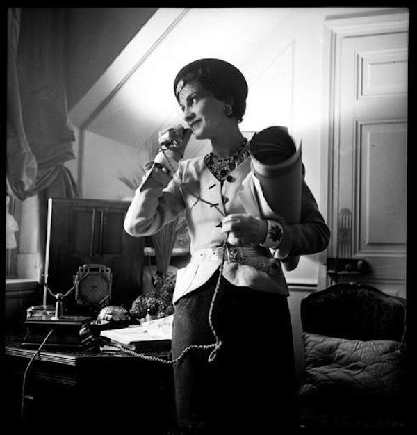 """Nhà thiết kế thời trang vĩ đại nhất của thế kỷ 20 Gabrielle """"Coco"""" Chanel đã từng sống tại khách sạn Ritz Paris cho đến khi qua đời. Ảnh: Ritz Paris Hotel."""
