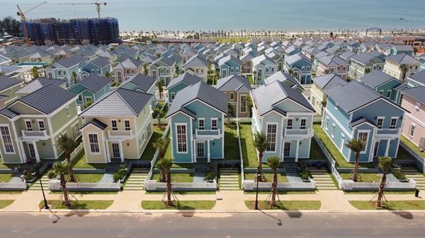 Sức bật từ hạ tầng kết nối cùng tiềm năng lớn về du lịch khiến nhiều nhà đầu tư đặc biệt quan tâm đến  BĐS ven biển Phan Thiết trong thời gian qua. (Ảnh thực tế second home Florida – NovaWorld Phan Thiet)